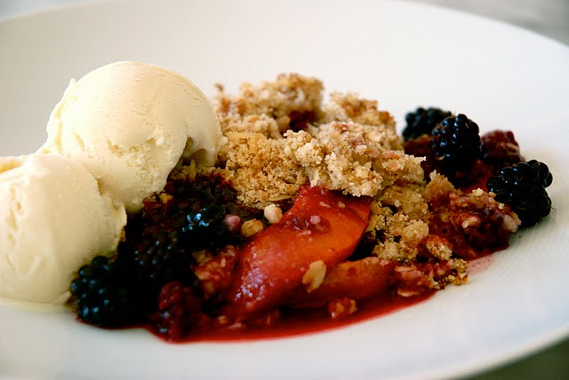 Peach and Blackberry Crumble | Kitchen Culinaire